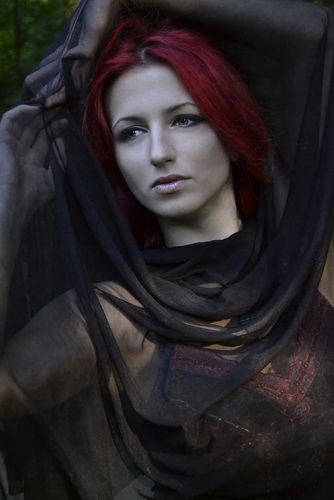 Danna Victoria: Oblivion [GALLERY]
