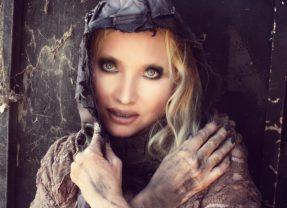 Karen St. Claire: MAD MAXINE [Spokesmodel Gallery]
