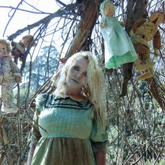 Haunted Dolls: Karen St. Claire [SPOKESMODEL GALLERY]